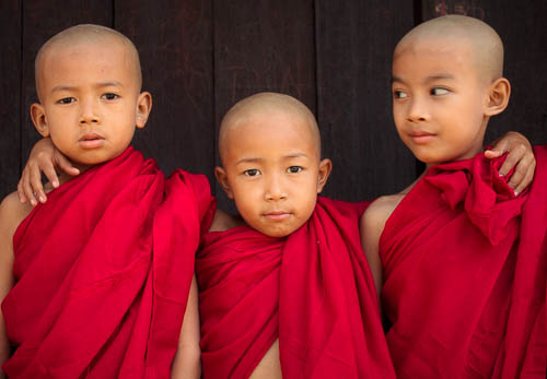 140108- Myanmar - Mandalay - Young Monks 2